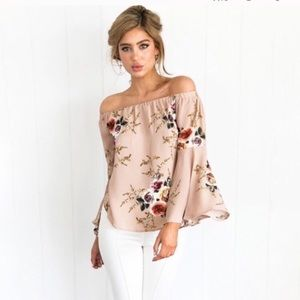 Tops - Beautiful off the shoulder floral trendy top! M